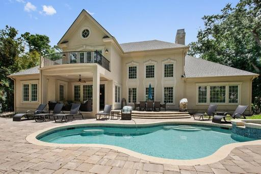 Vacation House Rental with a Pool